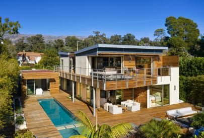 Butterfly Beach Getaway – NOW FOR LEASE