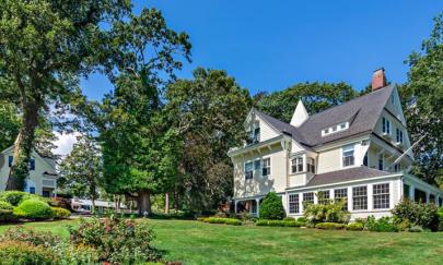 House Crush of the Week: 28 Narragansett Bay Avenue Warwick, RI