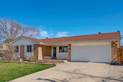 Welcome Home- 323 S Peoria St, Aurora