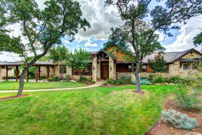 SOLD   107 Legacy Pointe