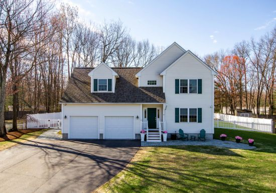 STUNNING CONTEMPORARY COLCHESTER COLONIAL