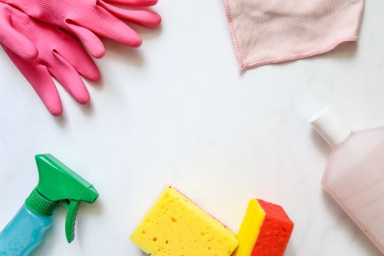How to Cut Costs on Your Cleaning Supplies (5 Easy Ways)