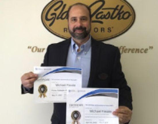 Michael Favale Earns Realtor Certifications