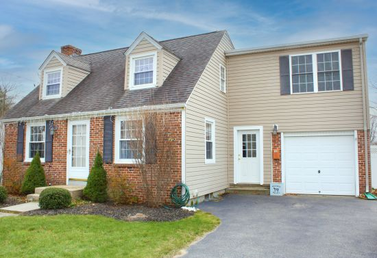 Amazing 3 bed Cape For Sale in Warwick Rhode Island