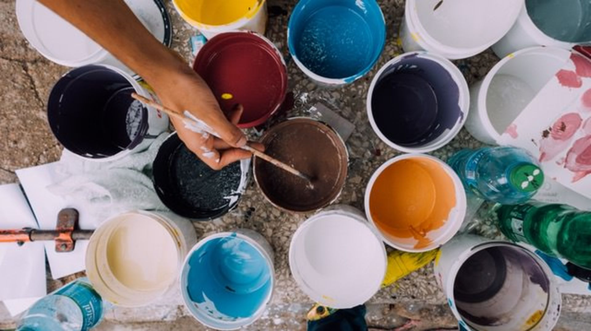 7 Essentials to Consider When Choosing a Paint Color