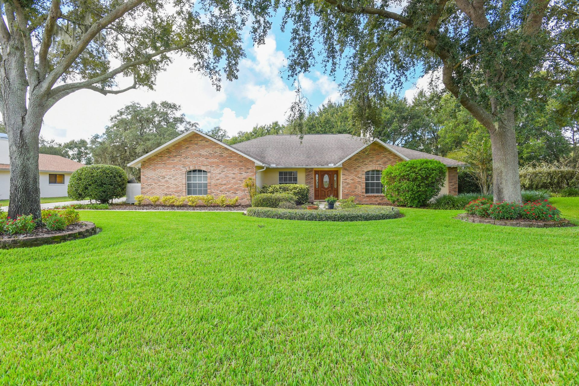 Just Listed Spacious Valrico Home