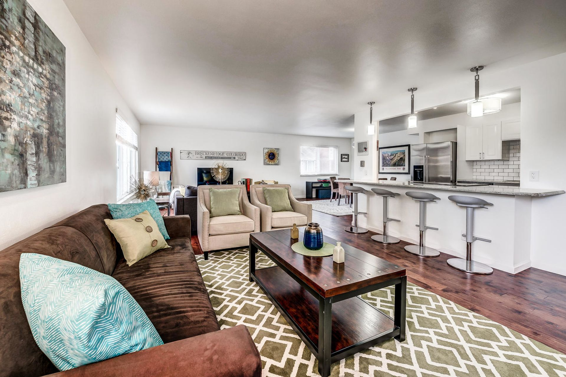 JUST LISTED : Capitol Hill Condo