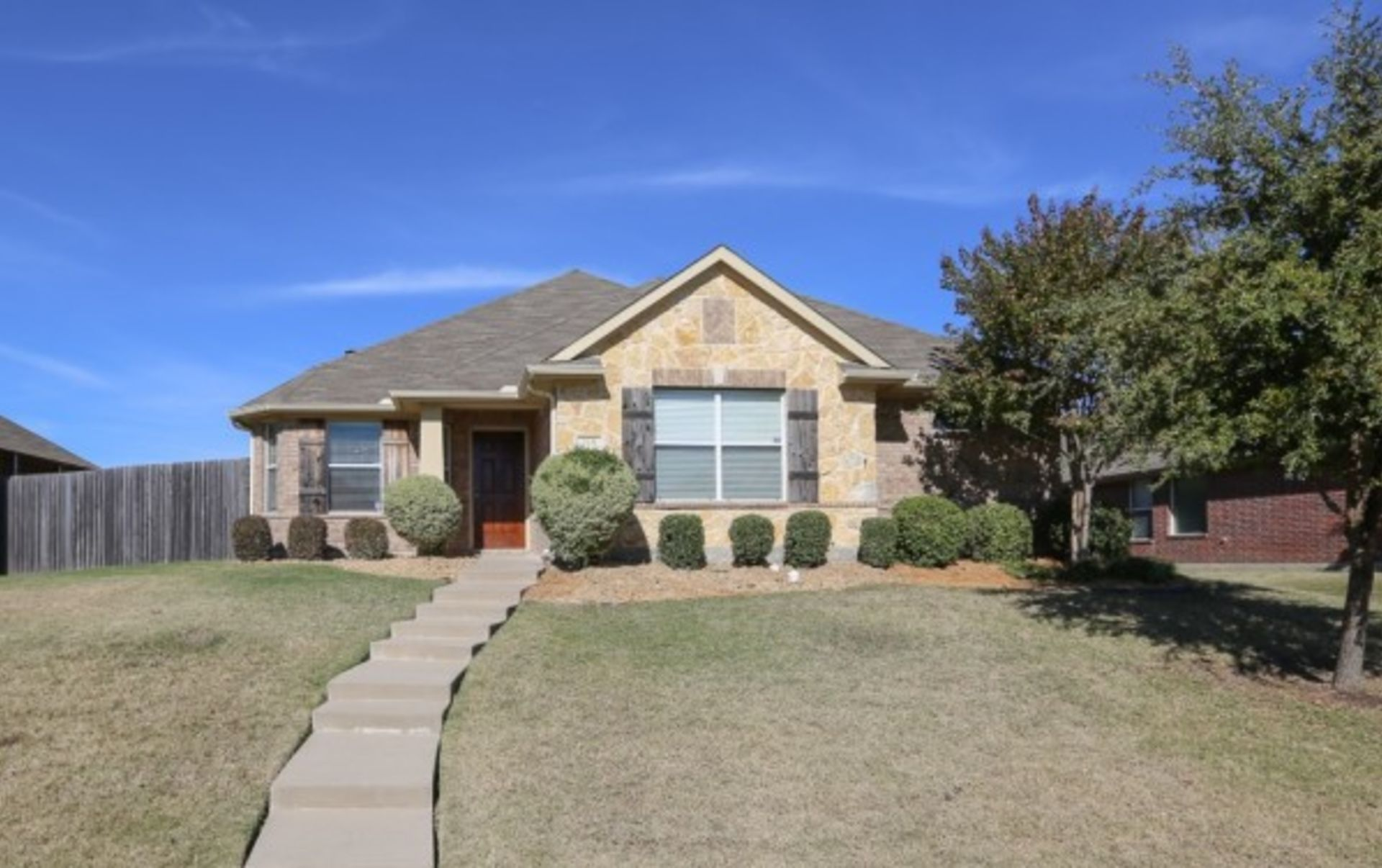 HOME FOR SALE IN WYLIE TX 75098 – 219 ROCKBROOK DR
