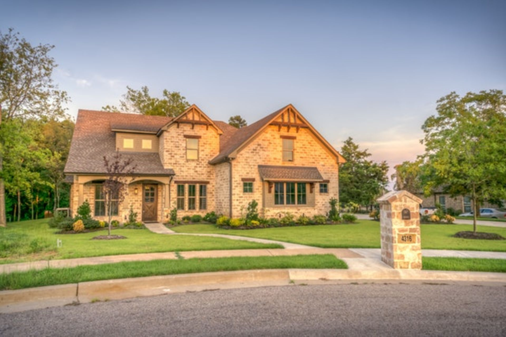 Tips To Enhance Your Home's Curb Appeal