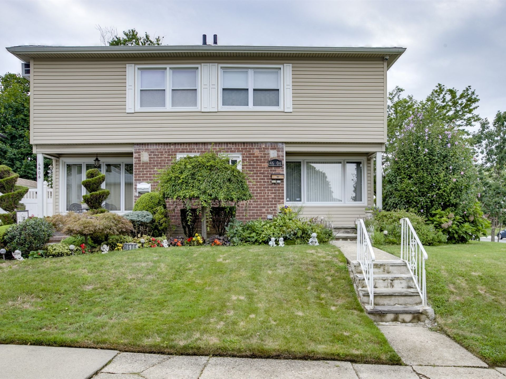 Renovated Bayside Colonial Under Contract In 20 Days!
