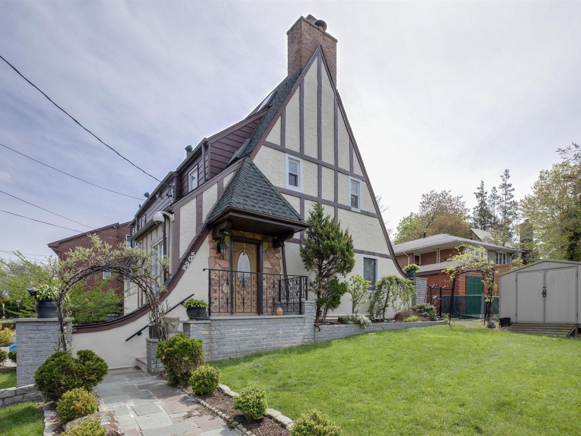 OPEN HOUSE: Douglaston, NY
