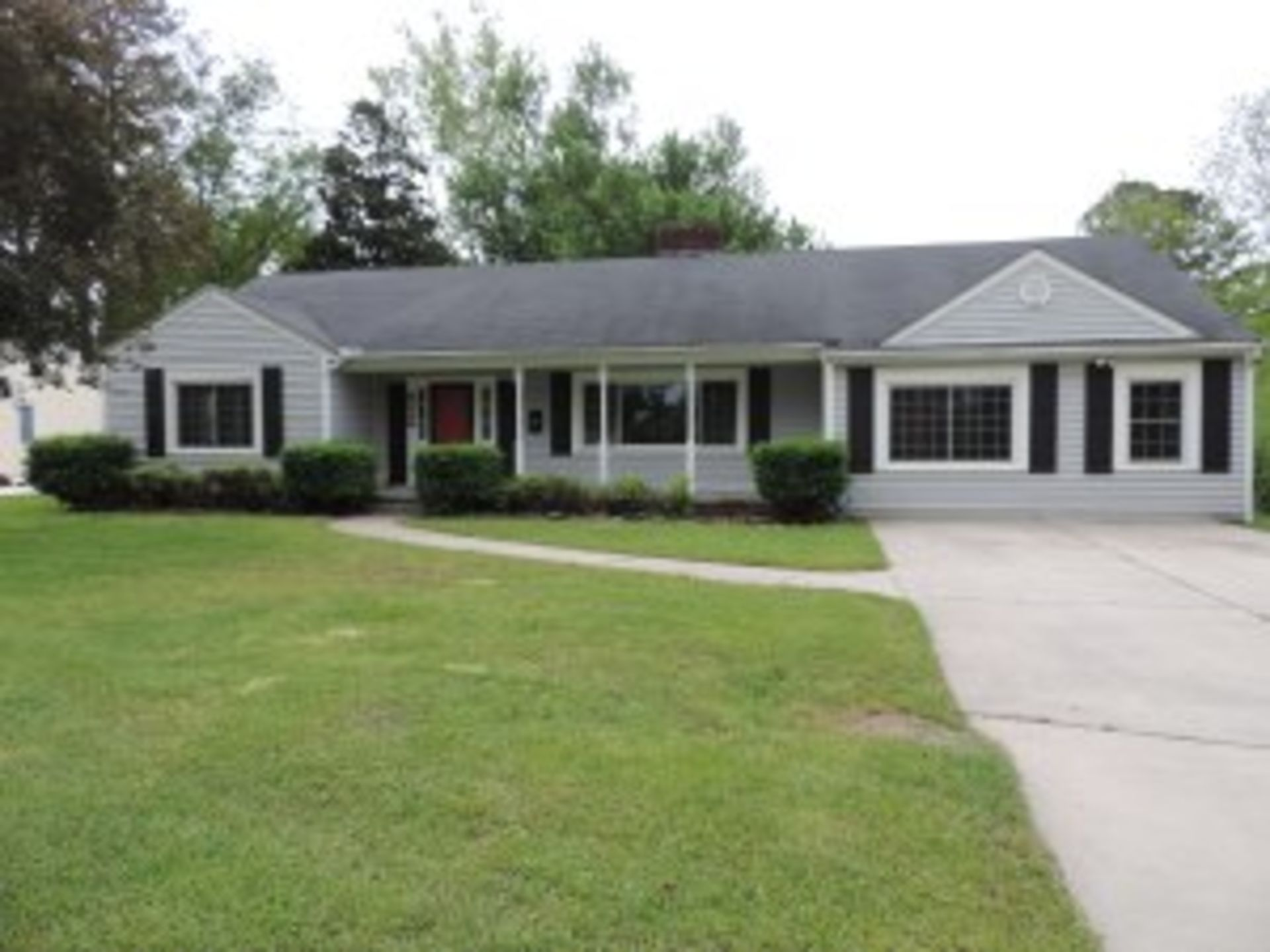 Super Saturday Sale: 1811 Tryon Road, New Bern
