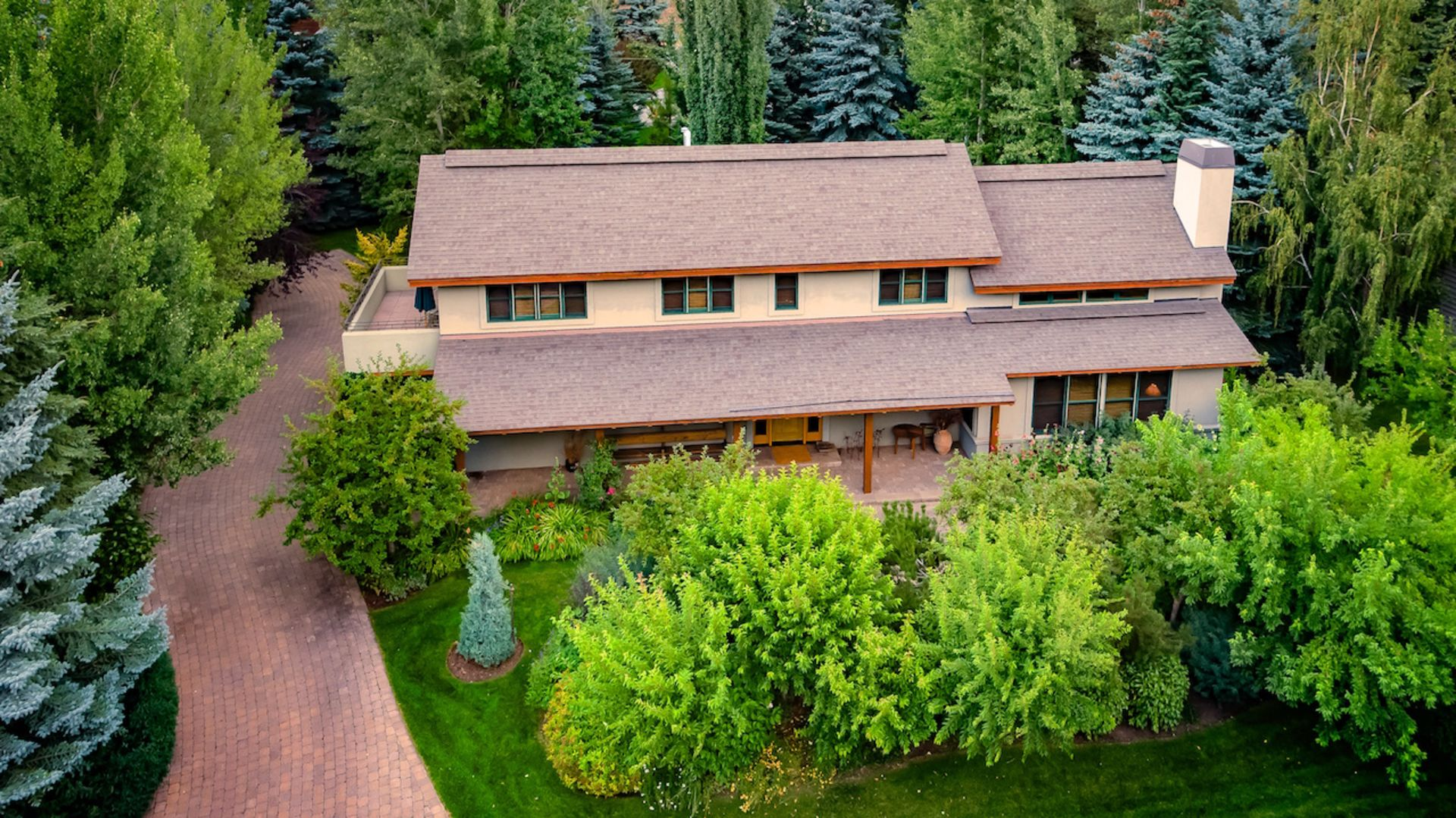 Stunning Luxurious & Tranquil Home in Warm Springs!