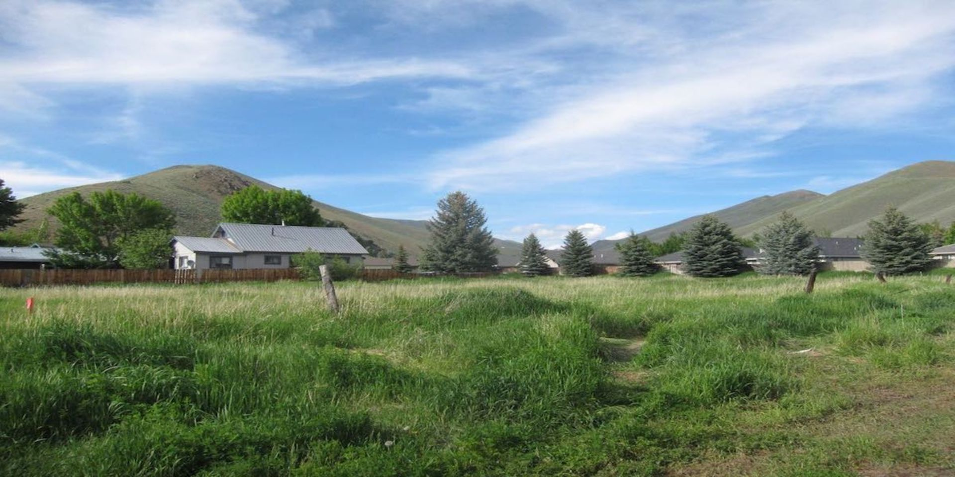 Sun-Drenched Mountain View Vacant Land in Bellevue!