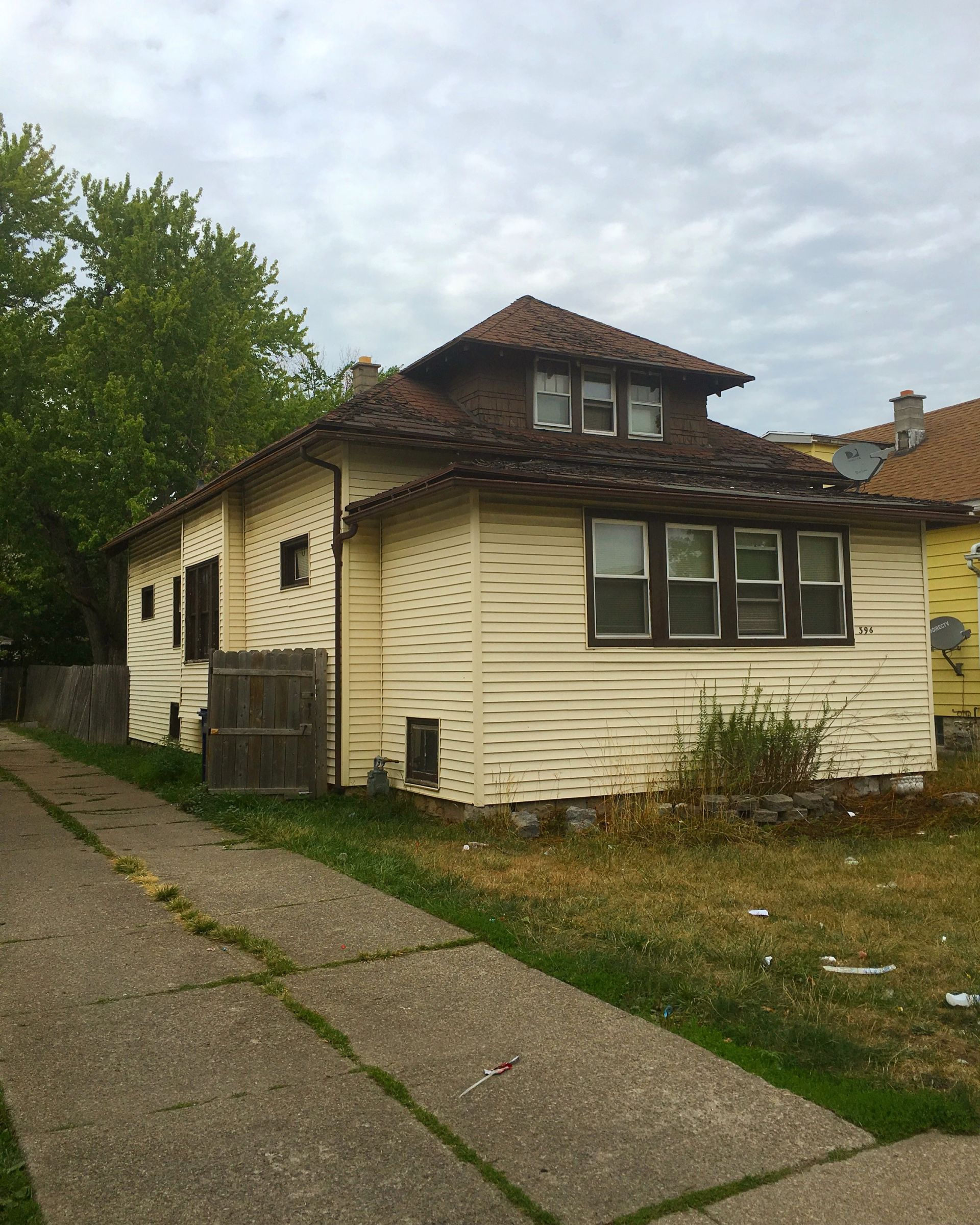 NEW LISTING – 396 Lasalle Ave