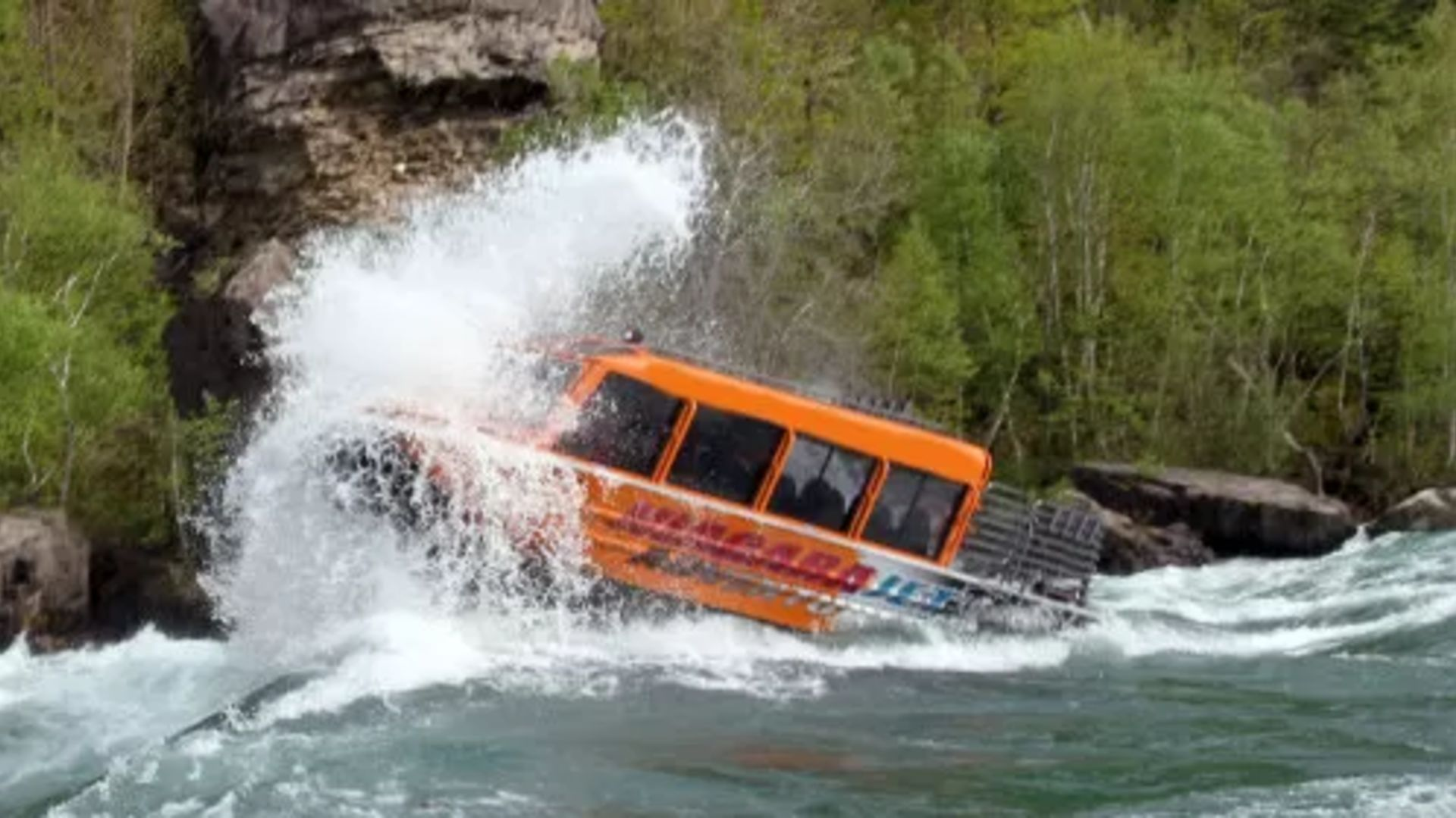 Niagara Jet Boat Adventures- A Thrill Like No Other!