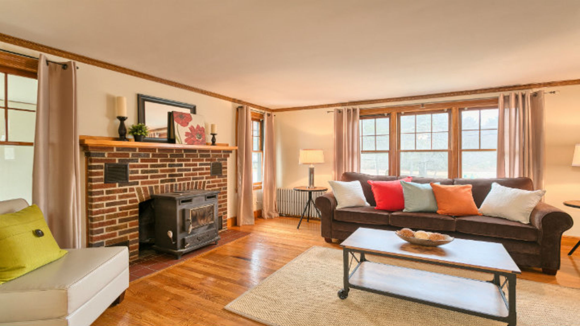 Free Home Staging Offer with Every Listing