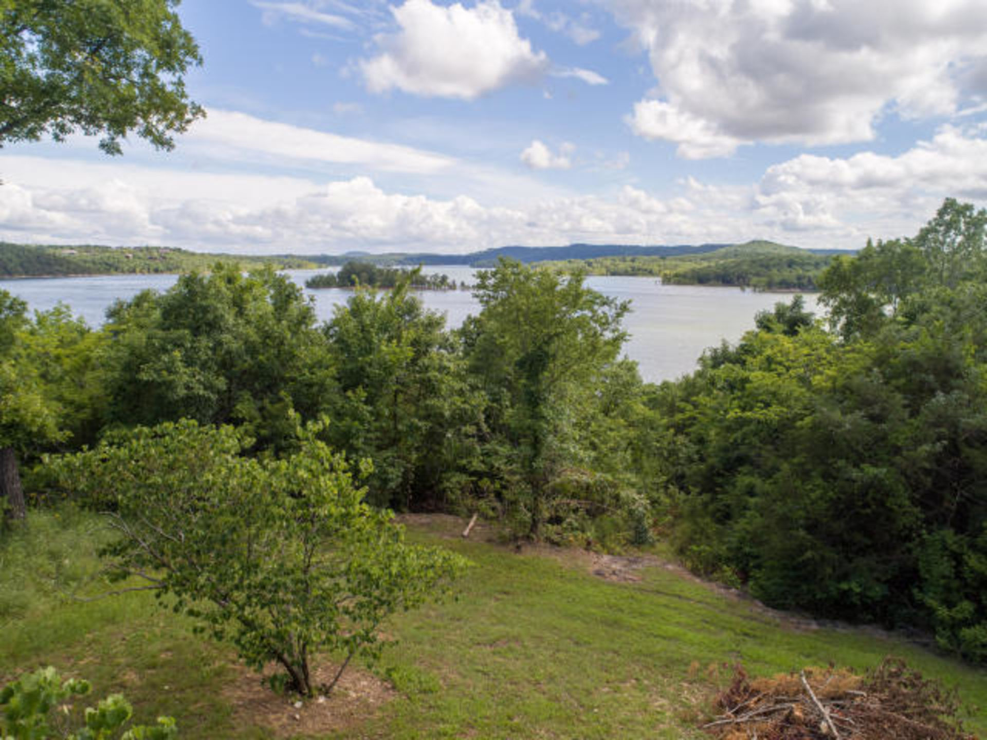 Table Rock Lake Front Home In Galena, MO