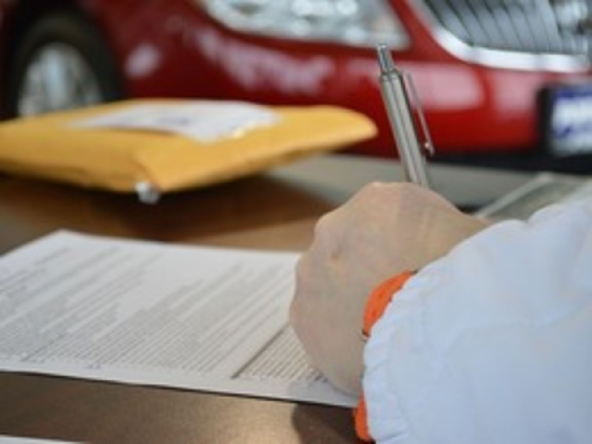 The Decision to hire a buyer's agent comes with many considerations.  To sign or not to sign?