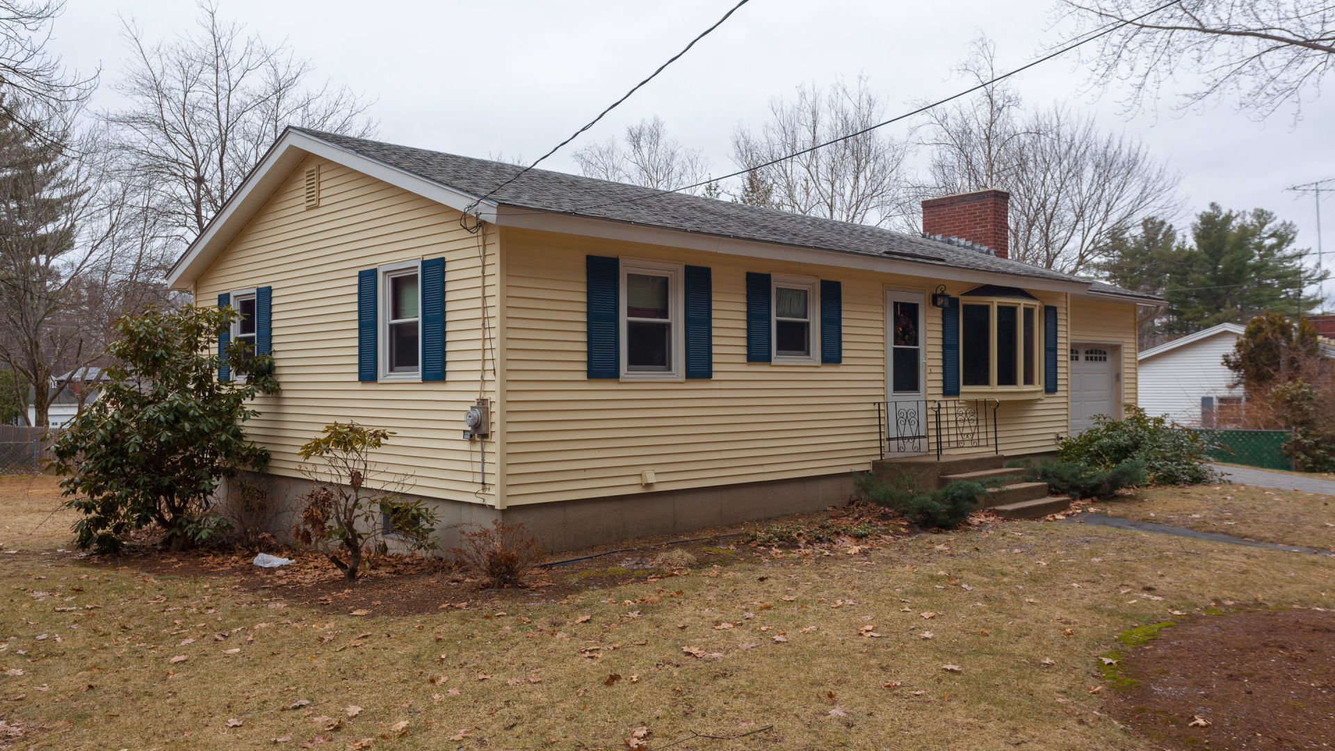JUST LISTED! 13 Thompson Ave in Hooksett