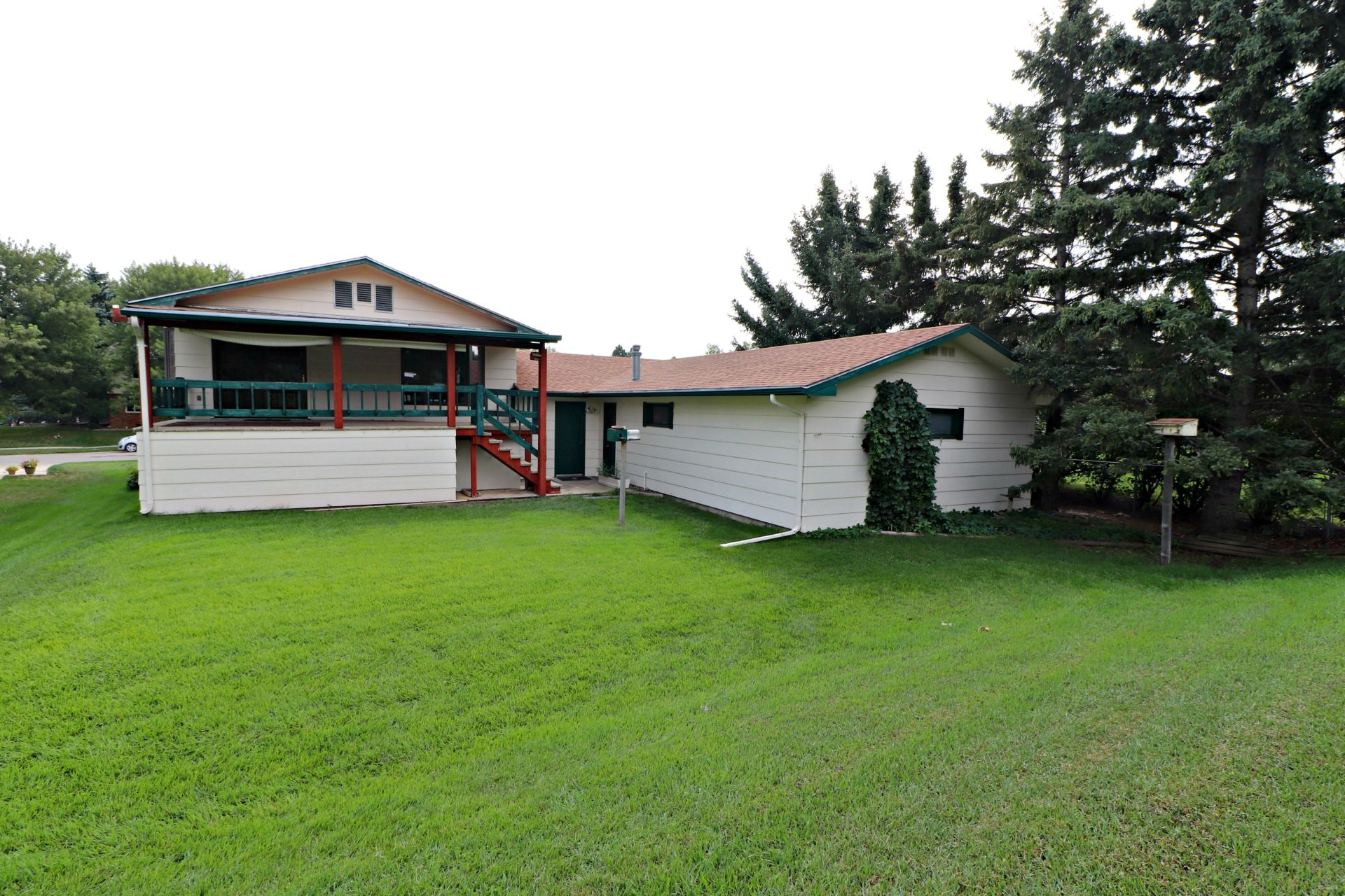HUGE Garage with great attached home!