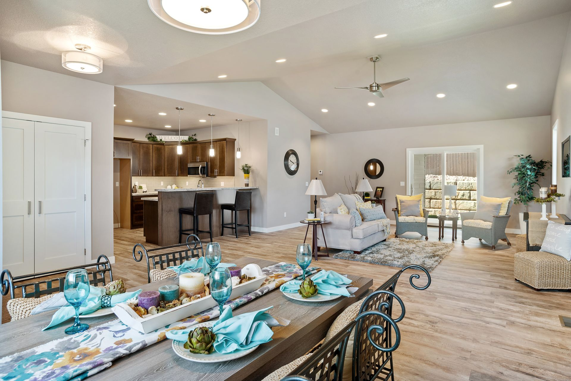 Luxury Town Home with Modern Finishes!