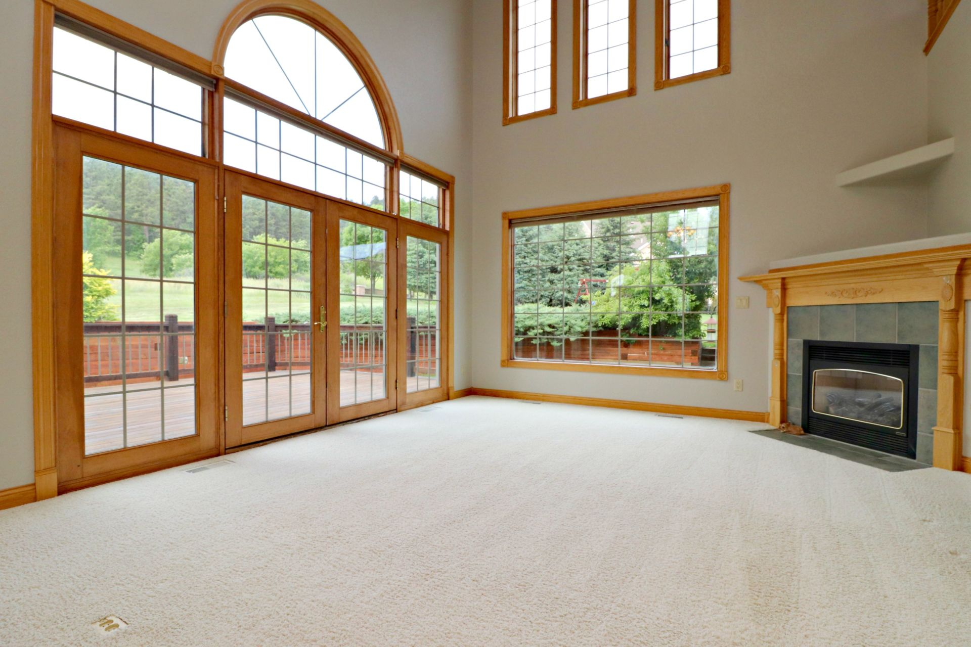Fantastic home with INDOOR Driving Range!!