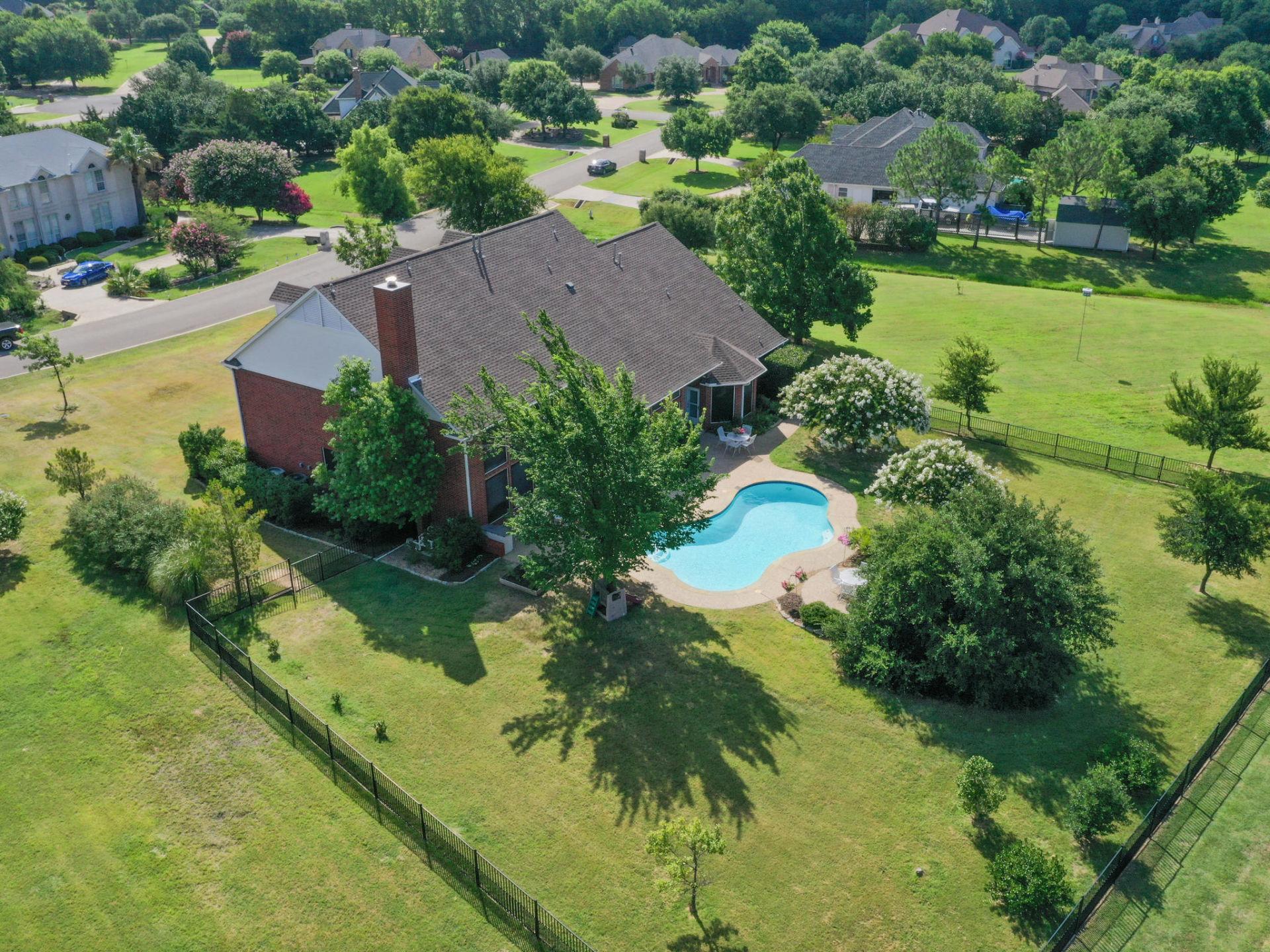 For Sale!!! 135 Lake Trail Drive, Double Oak, Texas 75077