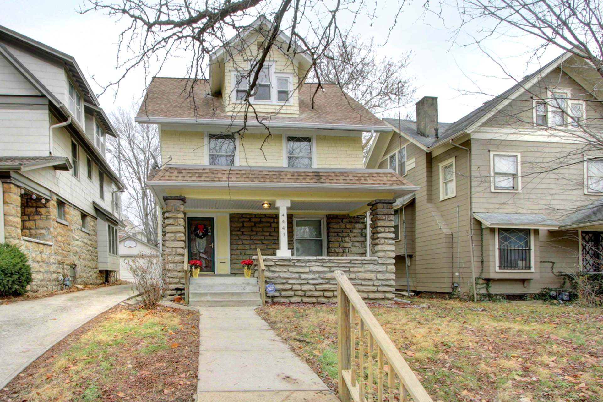 JUST LISTED with OPEN HOUSE Sun 12/9!