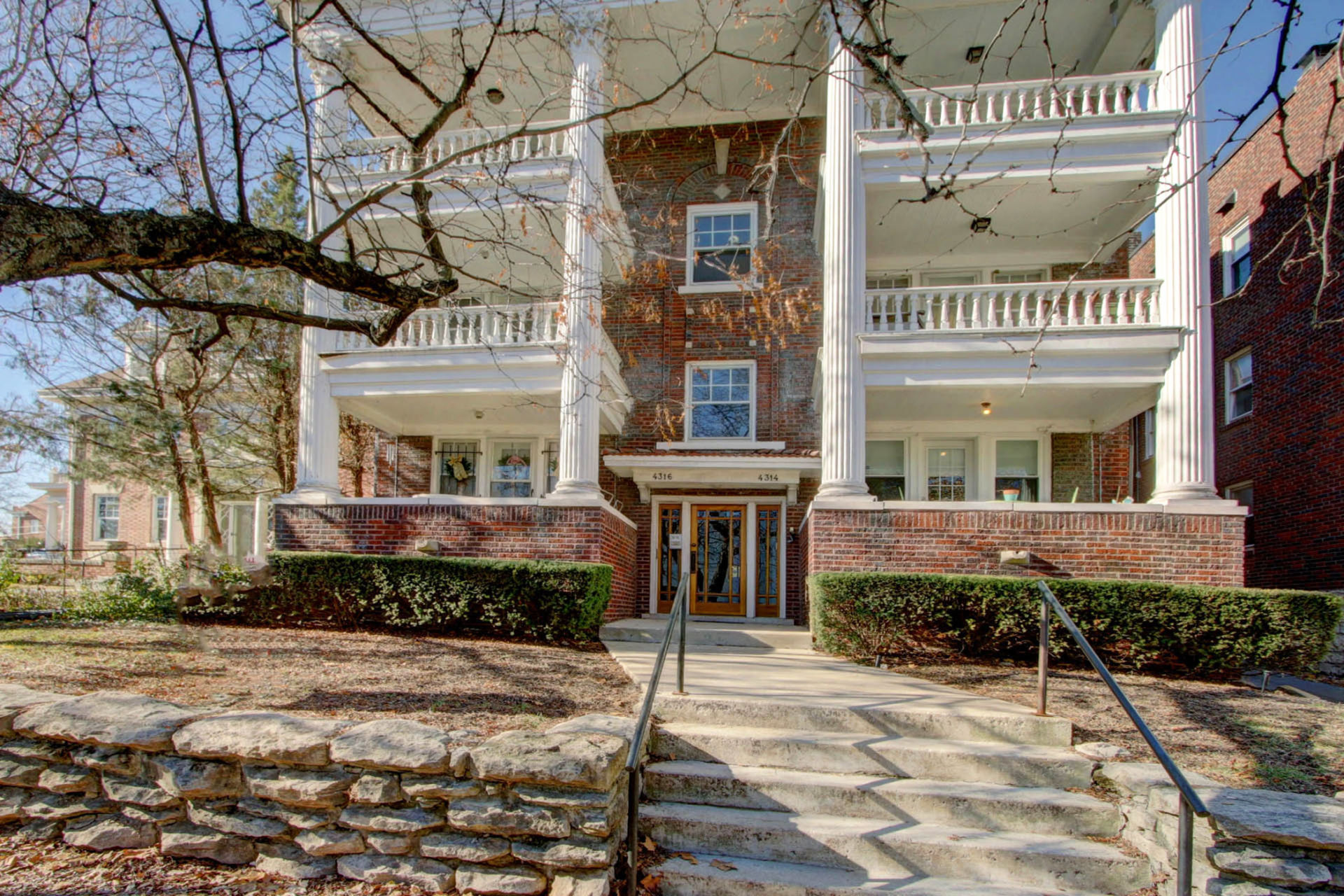 Just Listed with Open House! Historic Character Abounds in this Updated Gallery Condominium!