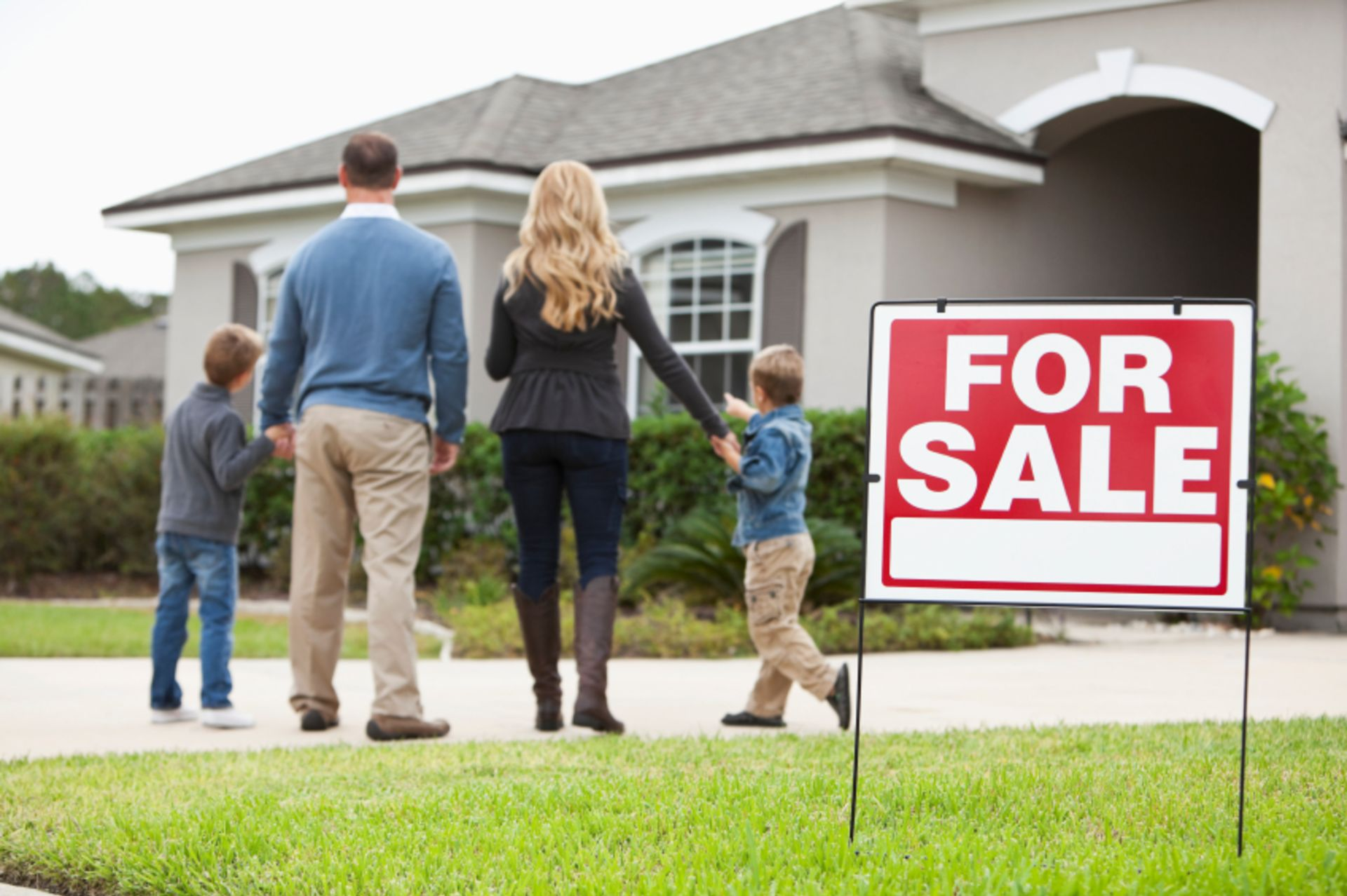 Why Overpricing Your Home Leads to Failure