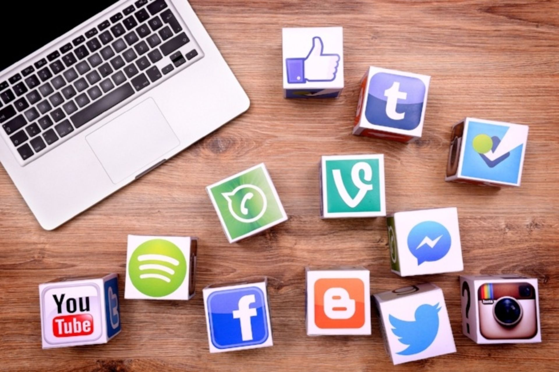 How To Rack Up Referrals Through Social Media