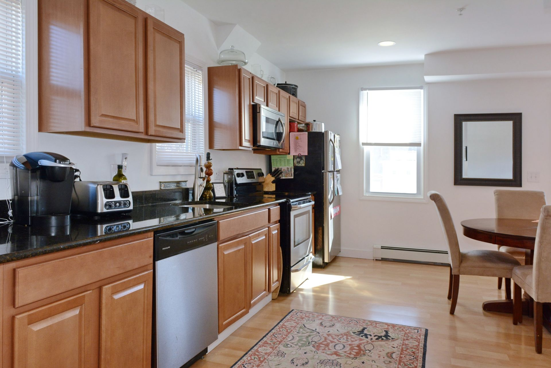 For Sale: 3BR Townhouse in Vibrant Amesbury!