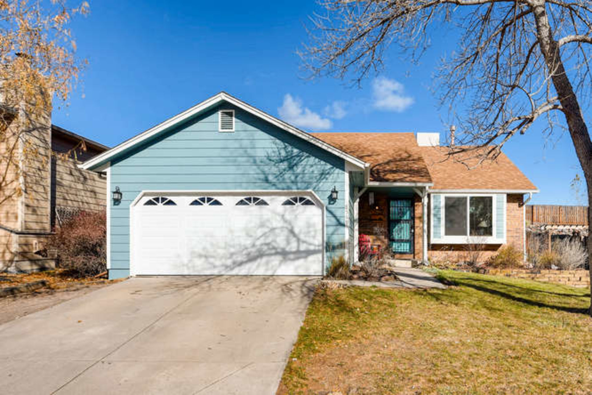 8569 S Dudley St, Littleton – New to the Market