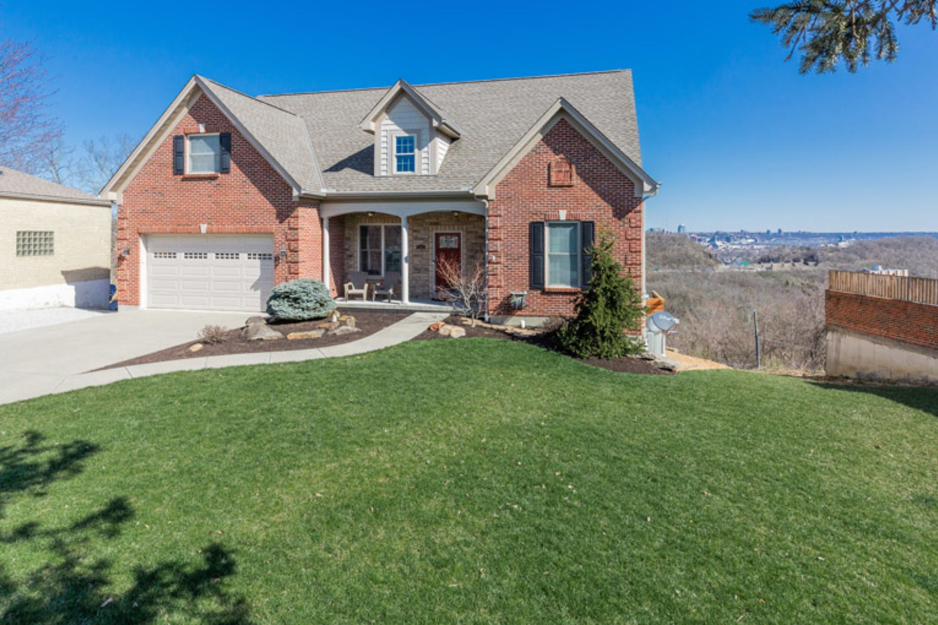 New Listing! 1226 Upland Ave in Fort Wright