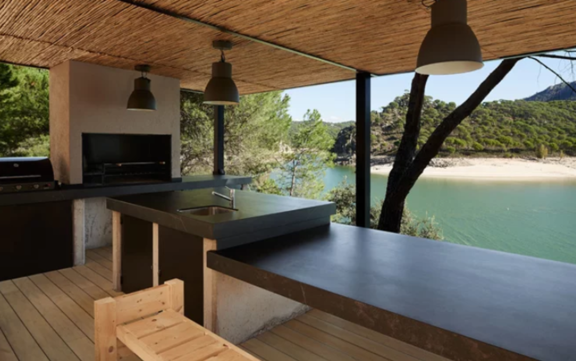 5 Tips for Creating Your Ideal Outdoor Kitchen