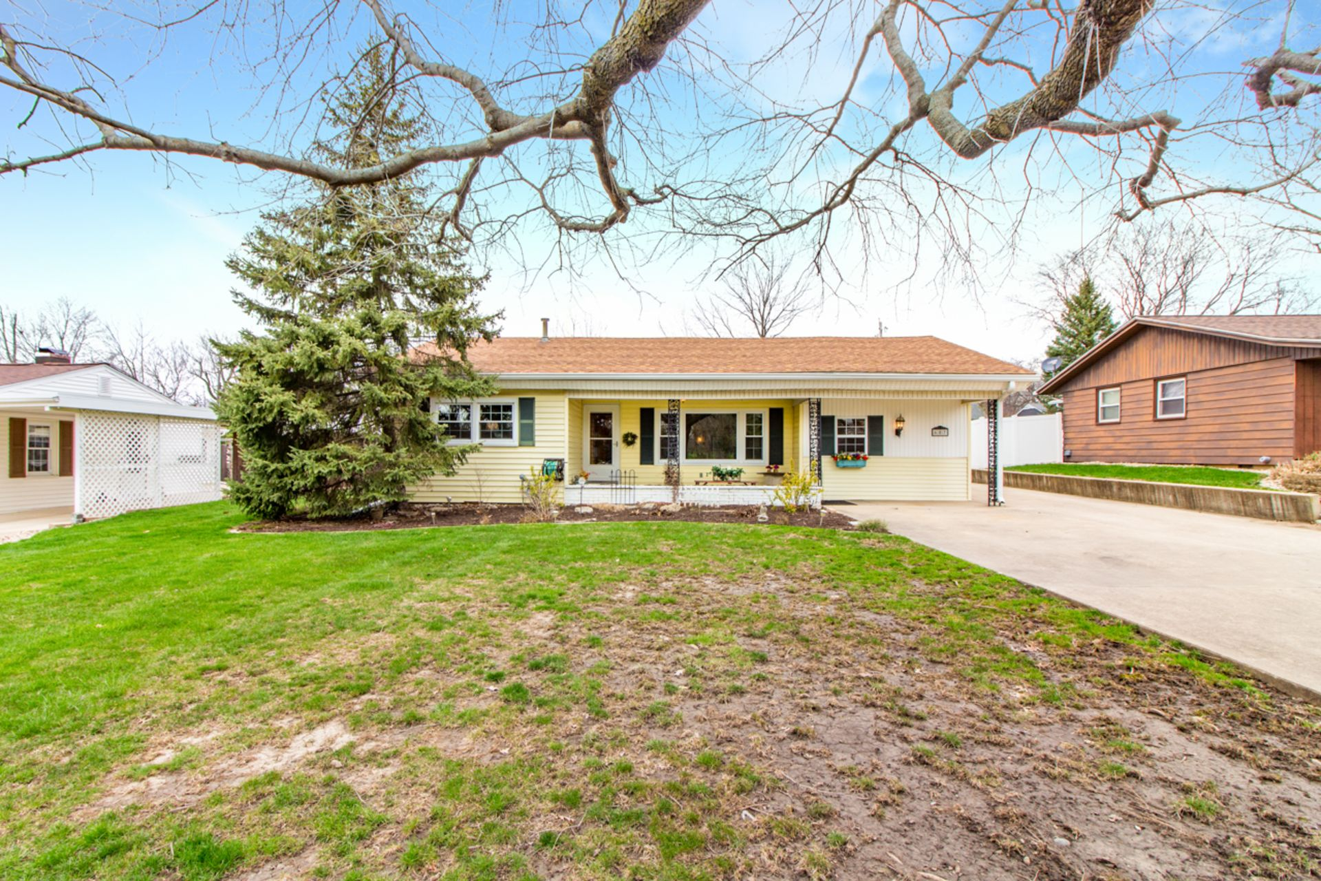 SOLD!!!  Pending In 2 Days – 607 W. Forrest Lawn, Peoria