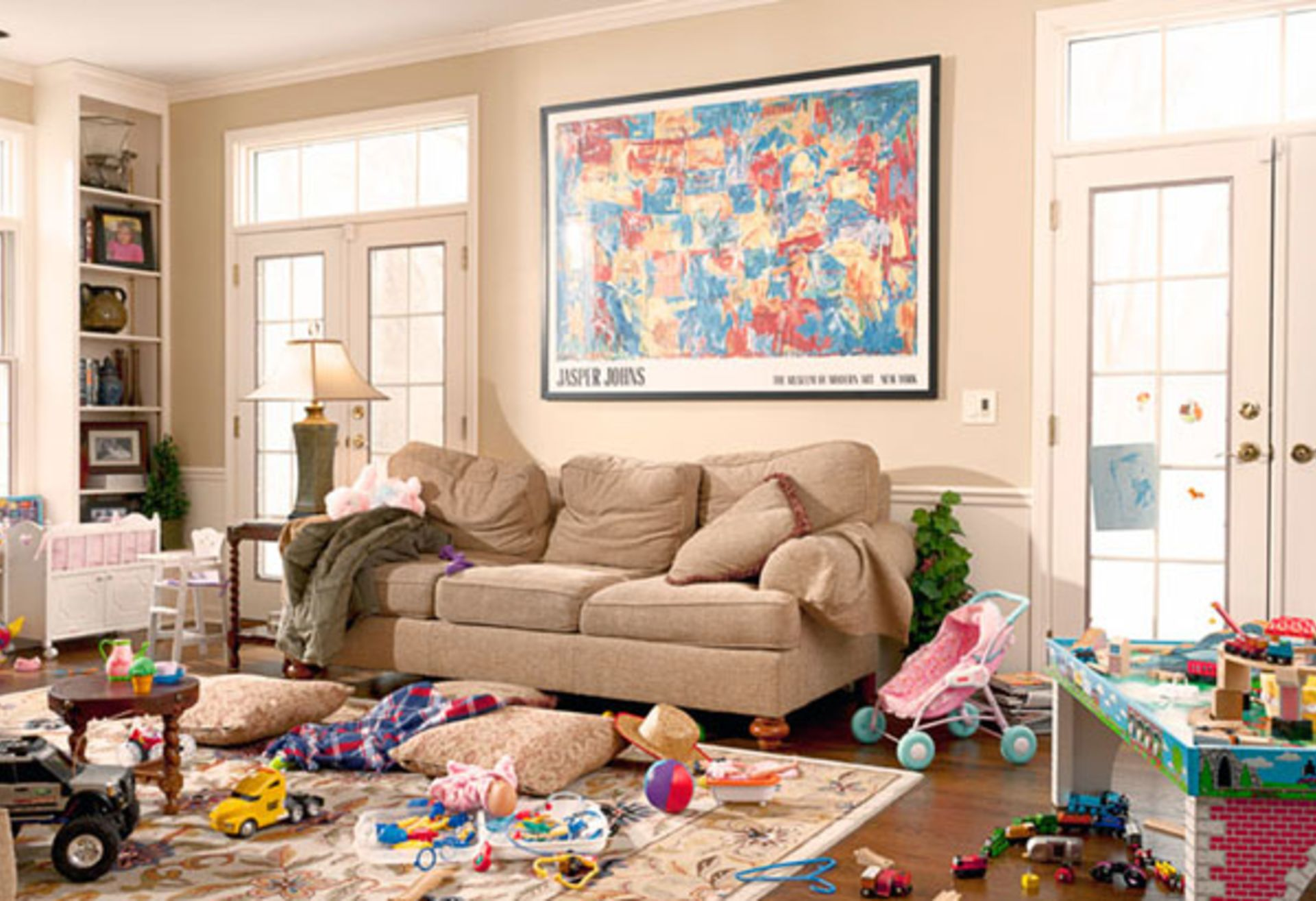 How to Declutter Before an Open House