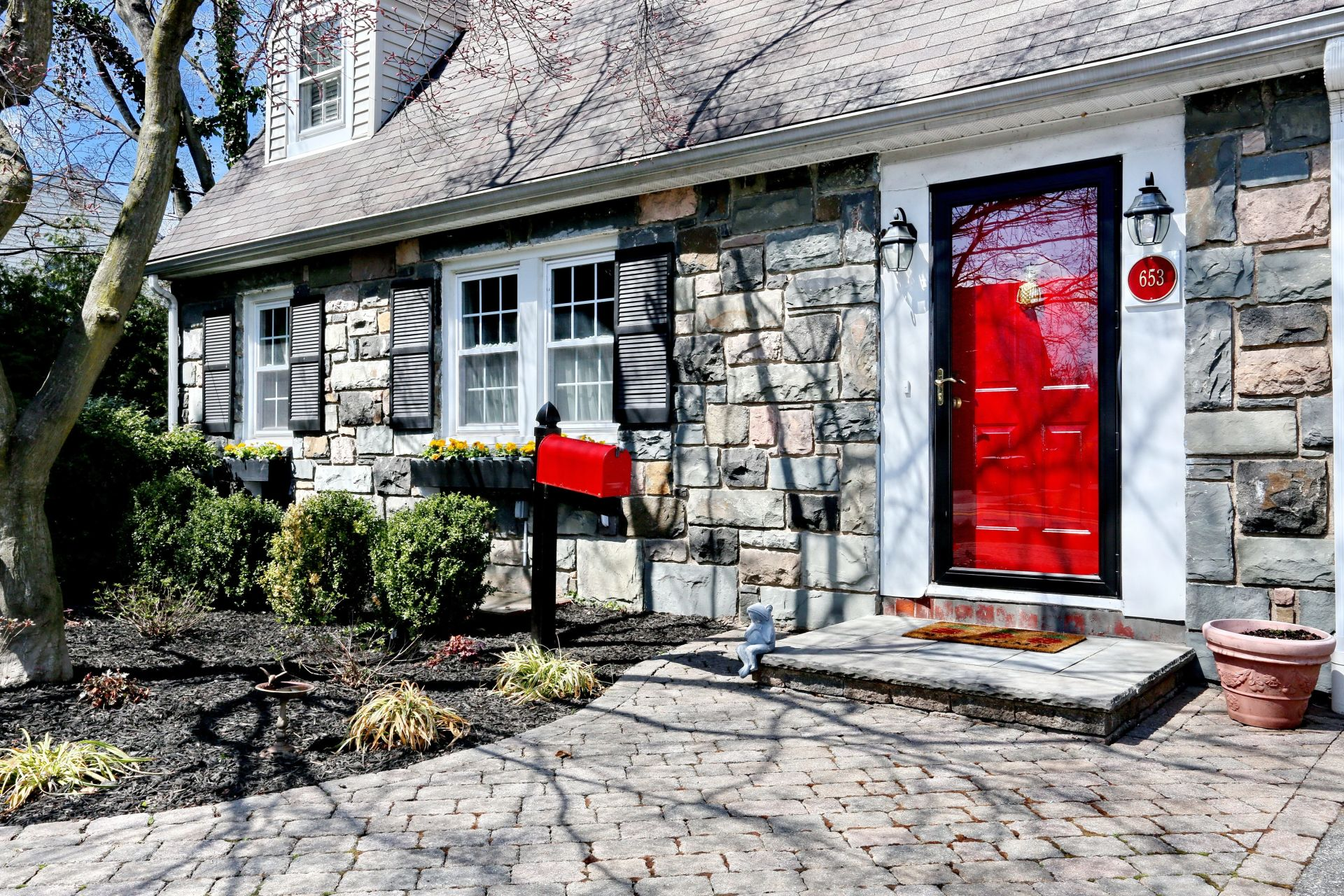 Captivating Stone Front Cottage – Open Sunday 5/19/19