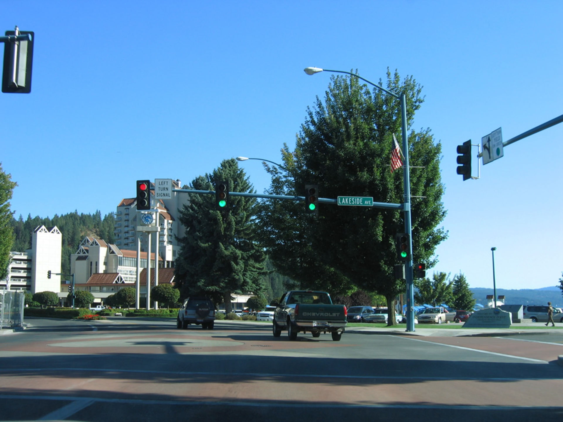 City to replace 11 downtown traffic signals