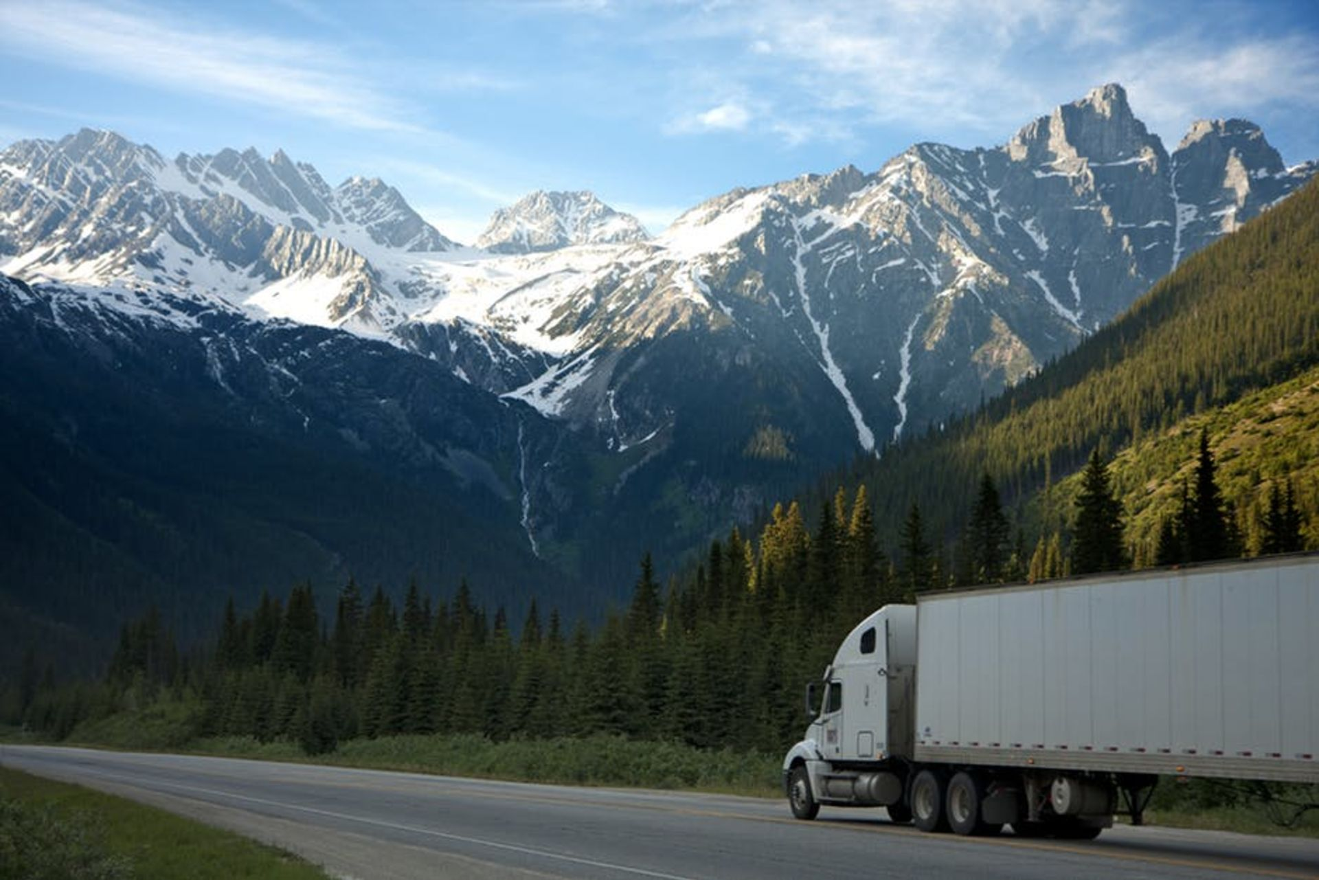 How Do You Pick a Moving Company? 4 Tips and Tricks
