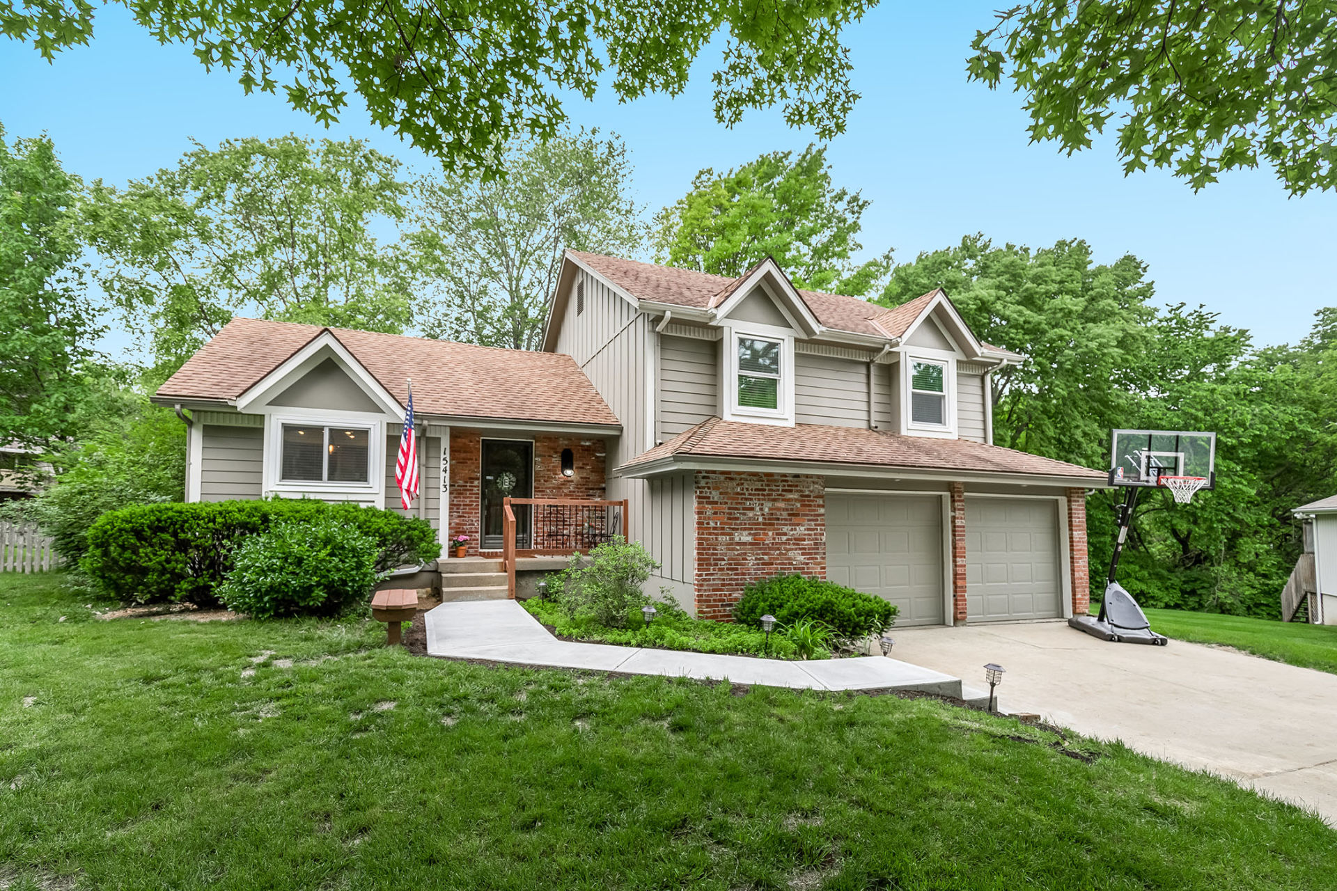 JUST LISTED in LENEXA with First OPEN HOUSE Sun 6/9!