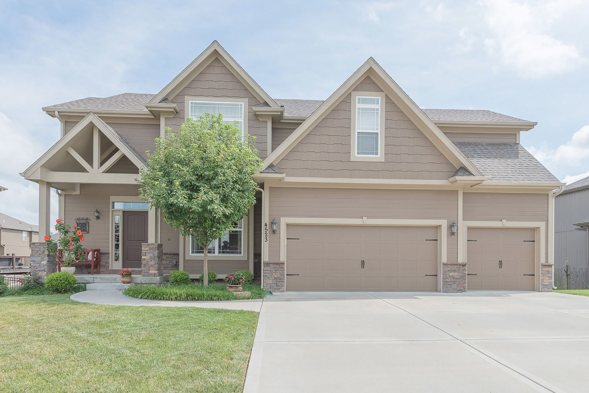 OPEN Sun 9/9, 1-3pm! Beautiful Move-In Ready 4 Bedroom Home!