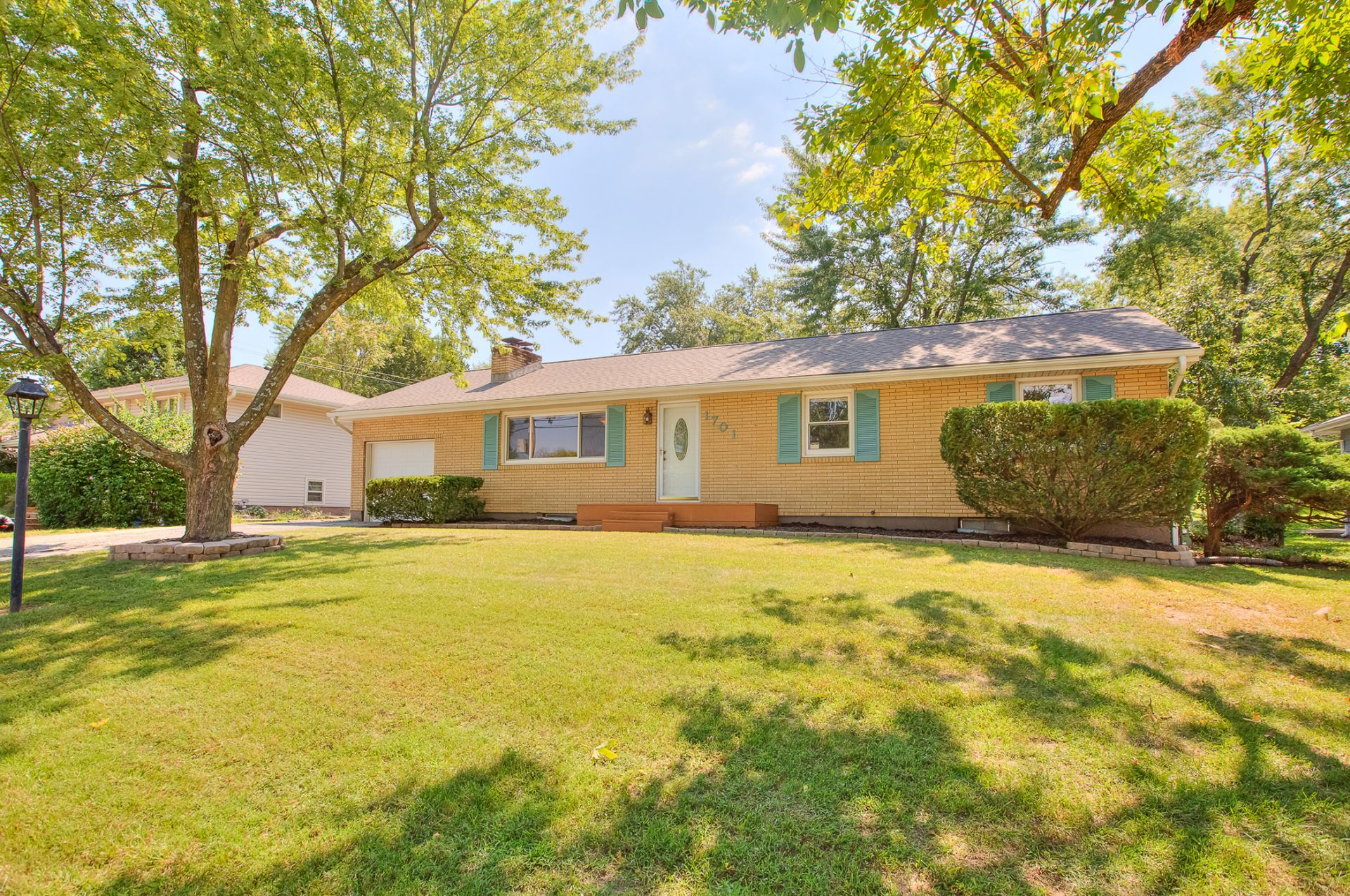JUST LISTED with 2 OPEN HOUSES! Charming Move-In Ready True Ranch Home!