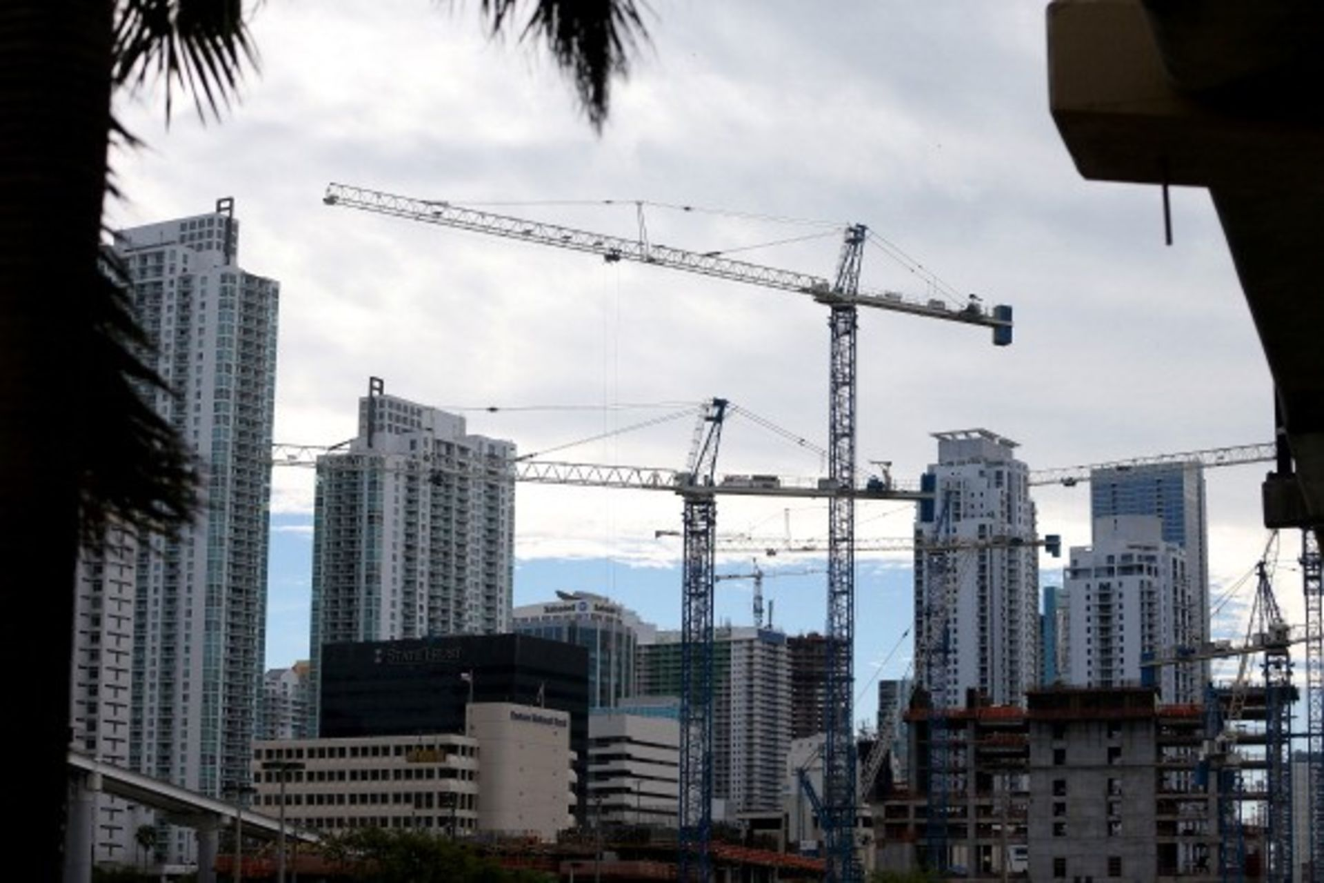 Apartment rents, on the rise since 2013, start to level off in South Florida: report The region's occupancy rate averaged 94.8%, down slightly from Q1
