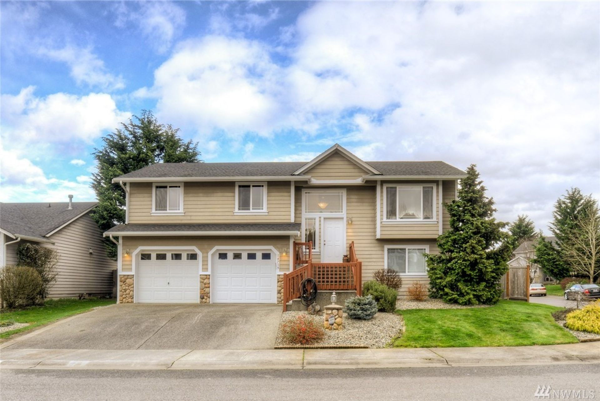 This Spacious Orting Home Is Waiting For You!