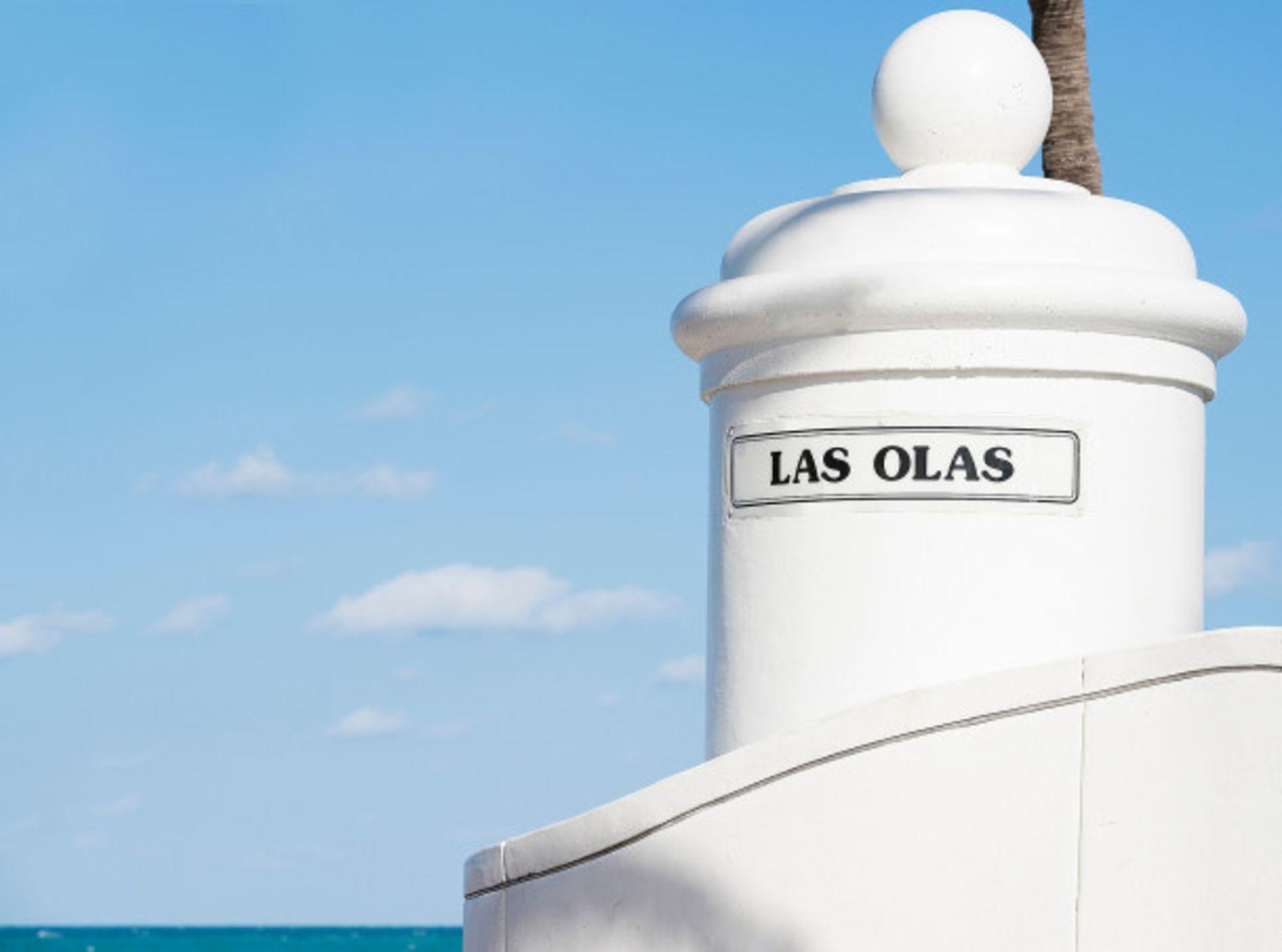 Las Olas by the Sea