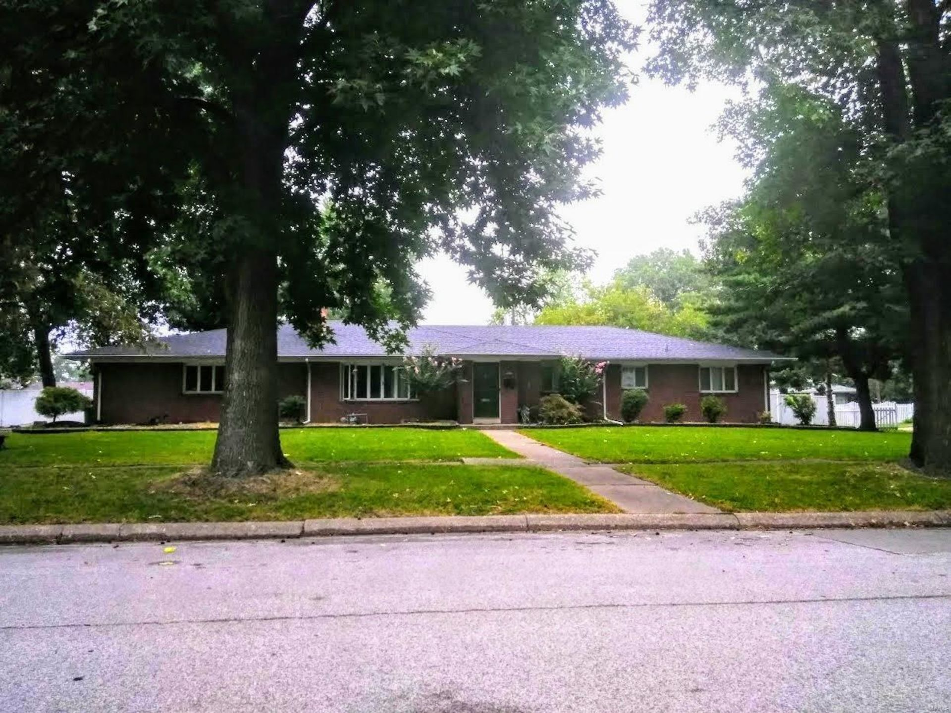 Just Listed! 1531 Lindell Blvd, Granite City, IL 62040