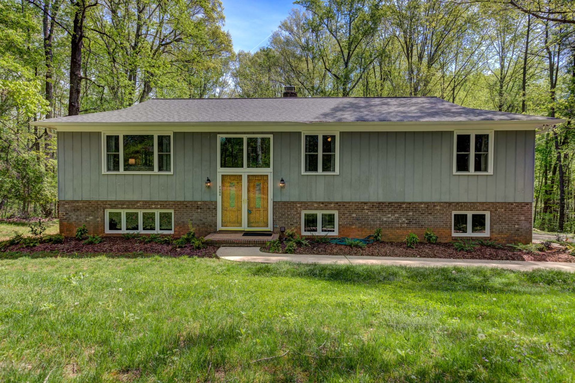 Location and Privacy! OPEN HOUSE this Sunday!