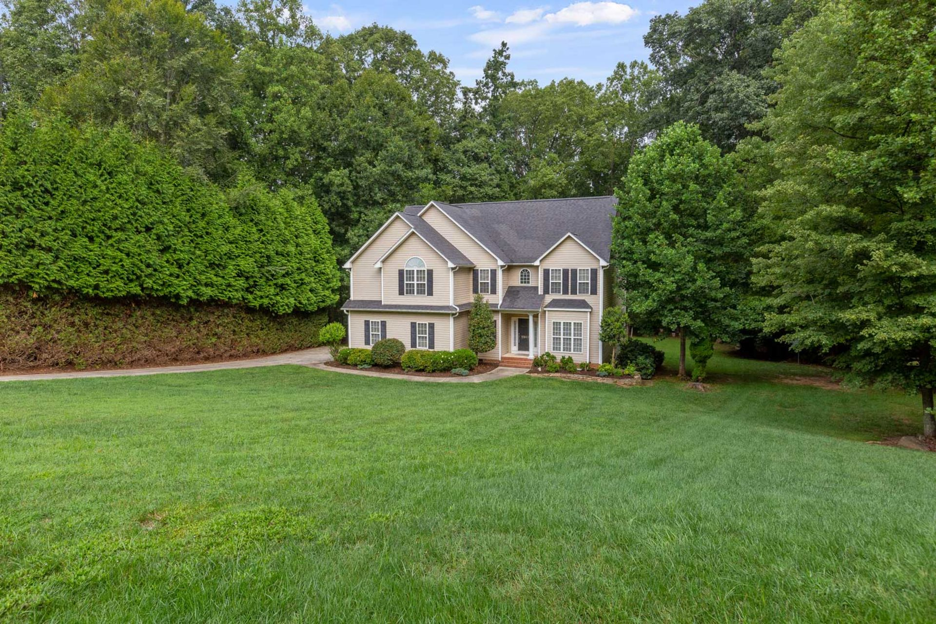 Open House this Weekend – 6982 Bethesda Court